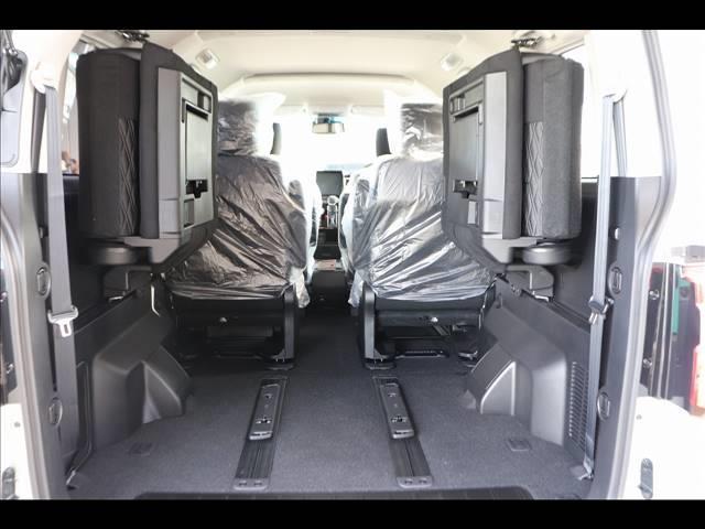 P 7人乗り アルパインBIGX フリップダウンモニター マルチアラウンドモニター パワーバックドア 4WD Bカメラ ディーゼル車 ステアリングヒーター 両側パワースライドドア パドルシフト(18枚目)