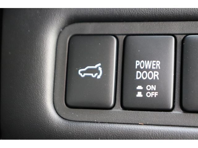 ディーゼル P 7人乗り マルチアラウンドモニター パワーバックドア 4WD ディーゼル バックカメラ 両側パワースライドドア ディーゼル車 LEDヘッドライト パドルシフト 純正アルミホイール フォグライト(24枚目)