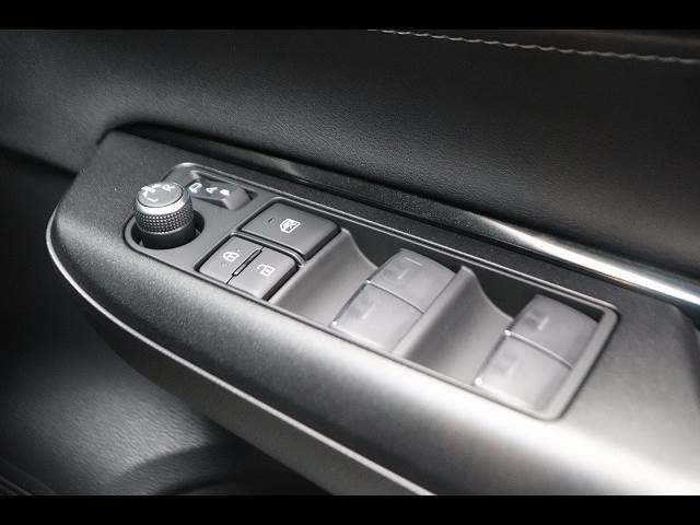 S ディスプレイオーディオ セーフティセンス 未登録新車(9枚目)