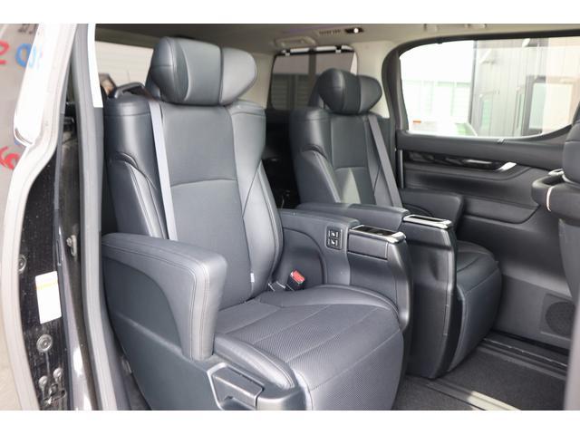 2.5Z Gエディション 黒革フルレザーシート サンルーフ アルパインSDナビ 両側電動スライドア シートヒーター パワーバックドア 後席オットマンシート 純正アルミホイール LEDヘッドライト 衝突軽減装置(10枚目)