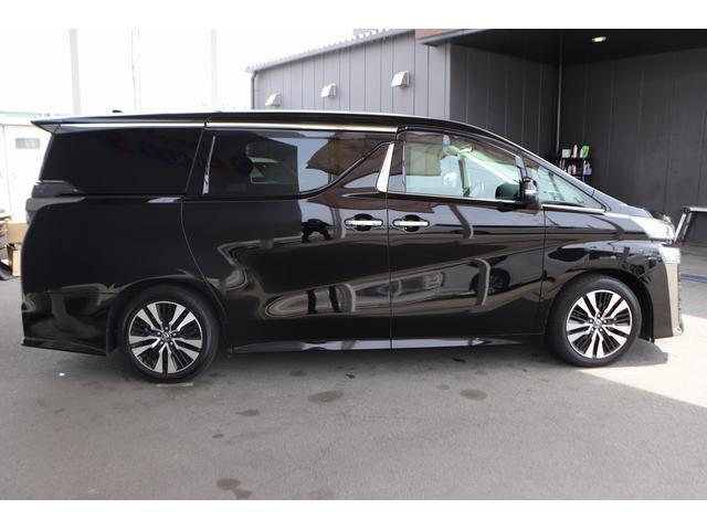 2.5Z Gエディション 黒革フルレザーシート サンルーフ アルパインSDナビ 両側電動スライドア シートヒーター パワーバックドア 後席オットマンシート 純正アルミホイール LEDヘッドライト 衝突軽減装置(18枚目)
