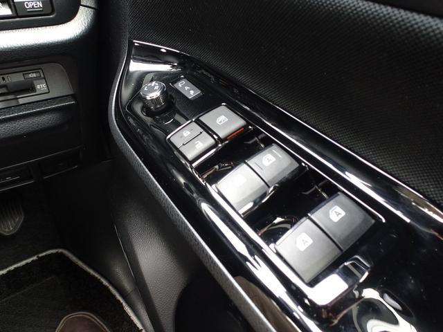 「トヨタ」「ヴォクシー」「ミニバン・ワンボックス」「岐阜県」の中古車32