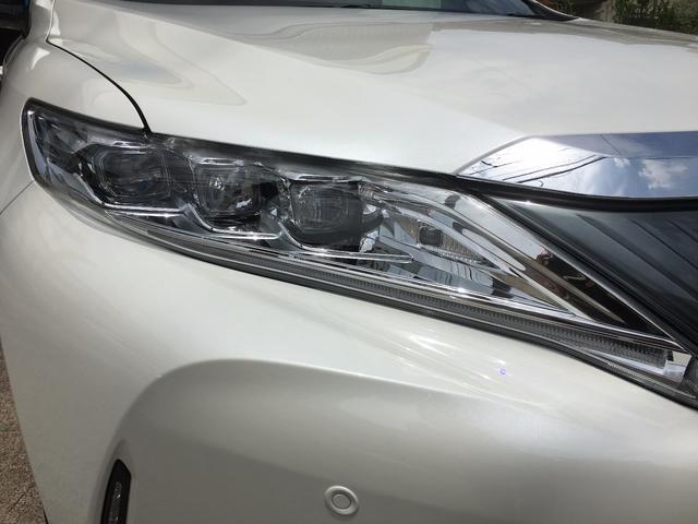 トヨタ ハリアー プレミアム メタル&レザーパック SR 茶革 未使用車