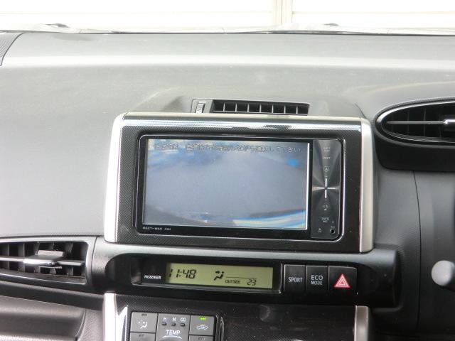 ナビはトヨタ製SDナビです。バックカメラも付いてますので、バック駐車も安心です。