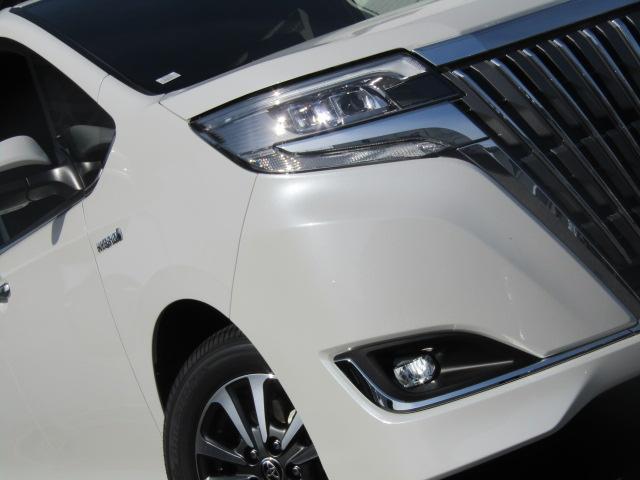 ハイブリッドXi 新車未登録 両側電動 シートヒーター(15枚目)