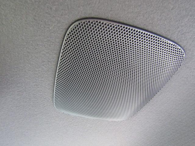 新車エスクァイア1.8ハイブリッドGiプレミアムパッケージが入庫しました。新車未登録 純正アルミ クルコン スマートキー シートヒーター 両側電動も装備。お問い合わせは059-347-4092 水田