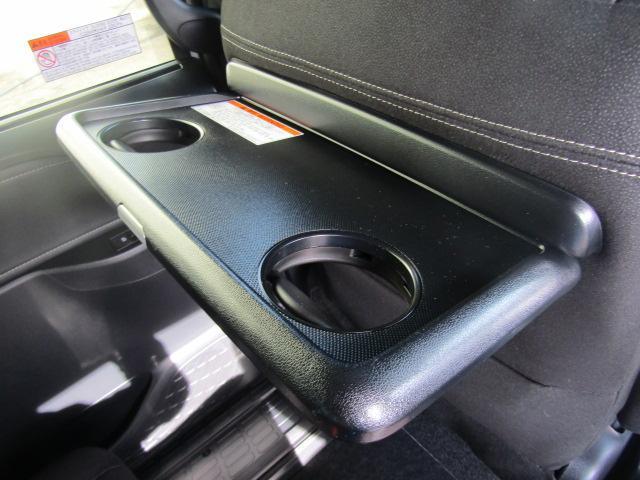 ハイブリッドXi 登録済未使用車 両側電動 シートヒーター(7枚目)