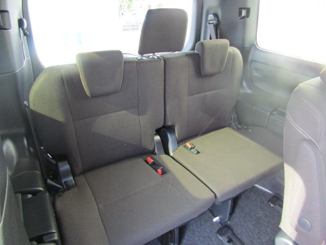 ハイブリッドXi 登録済未使用車 両側電動 シートヒーター(8枚目)