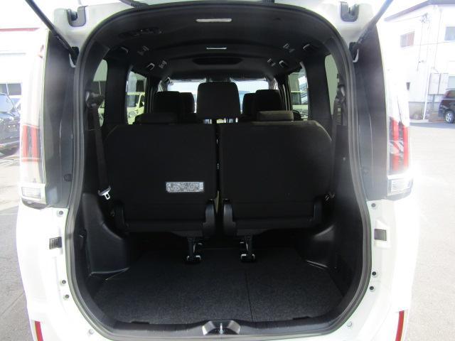 ハイブリッドXi 登録済未使用車 両側電動 シートヒーター(11枚目)