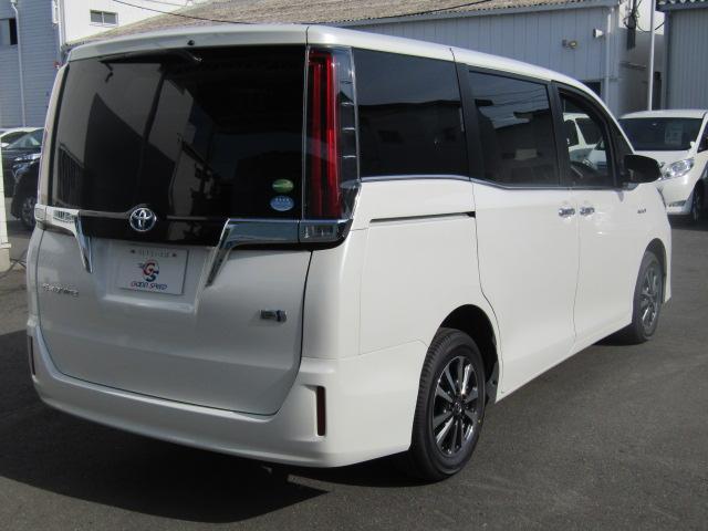 ハイブリッドXi 登録済未使用車 両側電動 シートヒーター(17枚目)