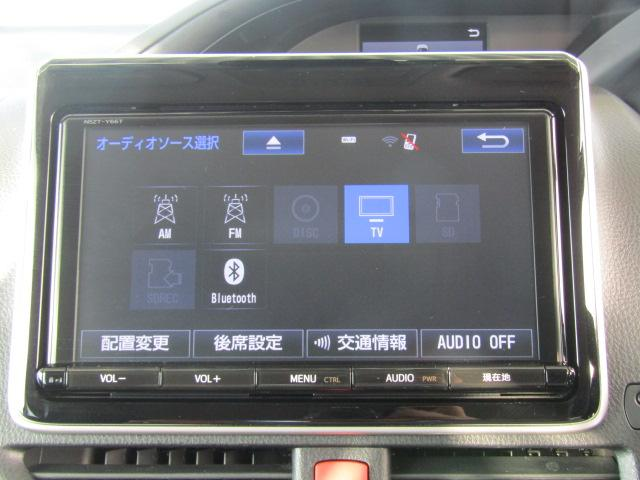 トヨタ純正9インチSDナビを装備しております。 フルセグTV、ブルートゥース接続、音楽の録音も可能です。