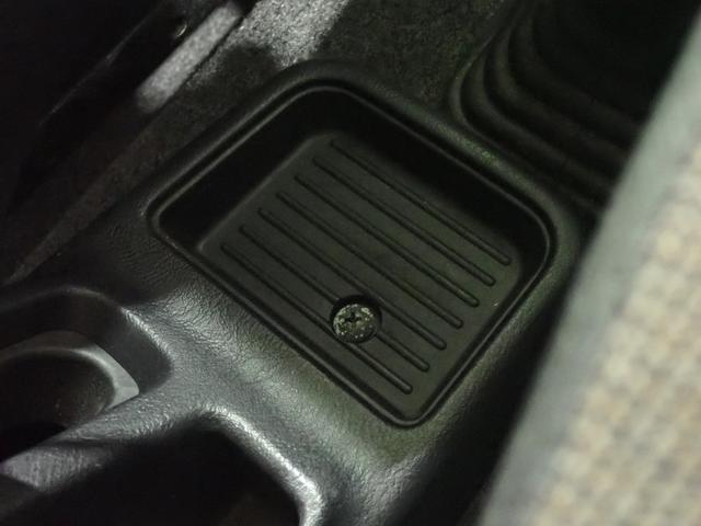 ナビエディションVR メモリーナビ TV ターボ 4WD キーレスエントリー(27枚目)
