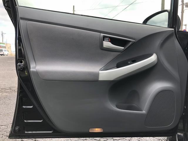 「トヨタ」「プリウス」「セダン」「三重県」の中古車25