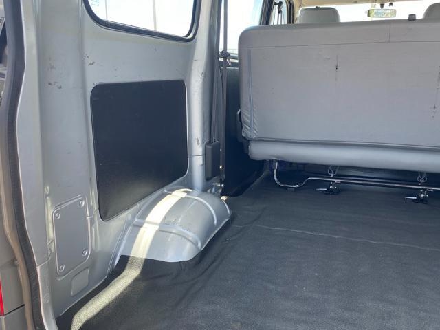 納車前には、点検整備の他に外装研磨コーティングと内装クリーニング及び撥水コーティングを施工致します。