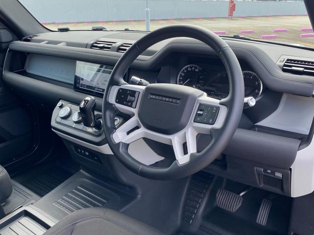 車内も非常に綺麗に保たれております。