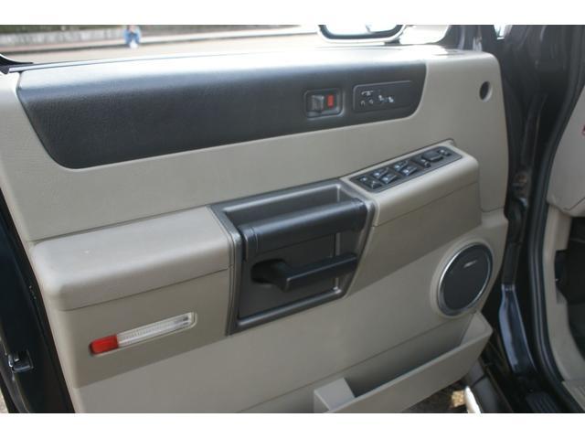 タイプS リフトアップ FUELOFF-ROAD20インチアルミホイール マッドタイヤ CODE9製4本出しマフラー サイドステップ ヒッチメンバー グリルガード オーバーフェンダー ETC バックカメラ(19枚目)