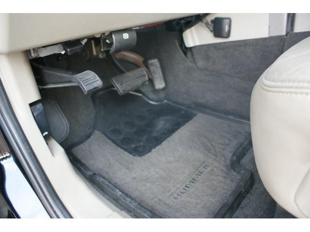 タイプS リフトアップ FUELOFF-ROAD20インチアルミホイール マッドタイヤ CODE9製4本出しマフラー サイドステップ ヒッチメンバー グリルガード オーバーフェンダー ETC バックカメラ(22枚目)