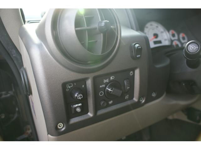 タイプS リフトアップ FUELOFF-ROAD20インチアルミホイール マッドタイヤ CODE9製4本出しマフラー サイドステップ ヒッチメンバー グリルガード オーバーフェンダー ETC バックカメラ(24枚目)