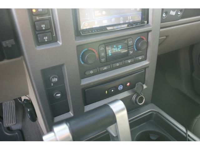 タイプS リフトアップ FUELOFF-ROAD20インチアルミホイール マッドタイヤ CODE9製4本出しマフラー サイドステップ ヒッチメンバー グリルガード オーバーフェンダー ETC バックカメラ(31枚目)