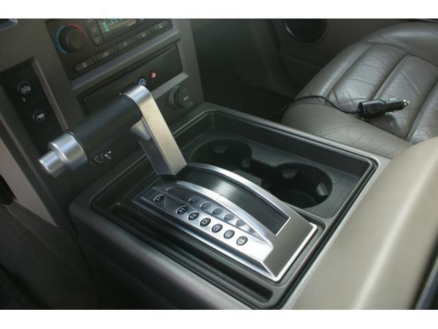 タイプS リフトアップ FUELOFF-ROAD20インチアルミホイール マッドタイヤ CODE9製4本出しマフラー サイドステップ ヒッチメンバー グリルガード オーバーフェンダー ETC バックカメラ(32枚目)