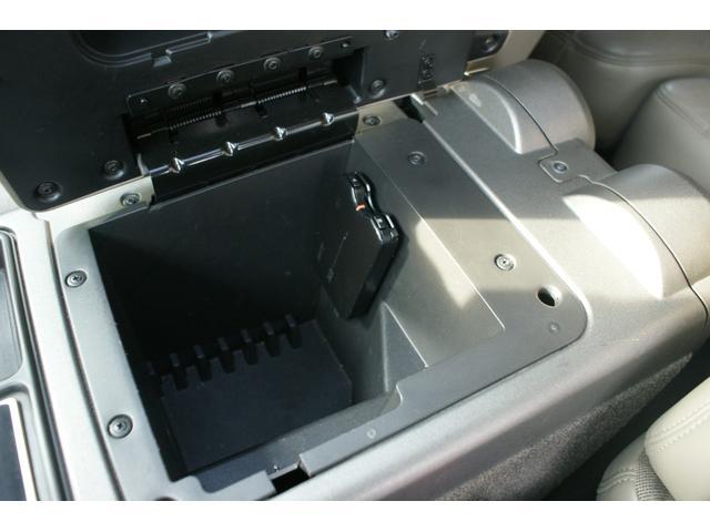 タイプS リフトアップ FUELOFF-ROAD20インチアルミホイール マッドタイヤ CODE9製4本出しマフラー サイドステップ ヒッチメンバー グリルガード オーバーフェンダー ETC バックカメラ(34枚目)