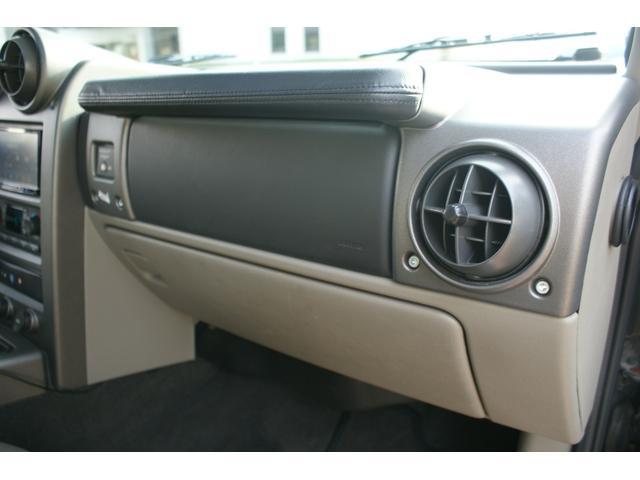 タイプS リフトアップ FUELOFF-ROAD20インチアルミホイール マッドタイヤ CODE9製4本出しマフラー サイドステップ ヒッチメンバー グリルガード オーバーフェンダー ETC バックカメラ(39枚目)