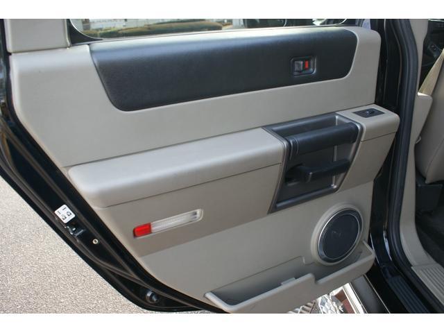 タイプS リフトアップ FUELOFF-ROAD20インチアルミホイール マッドタイヤ CODE9製4本出しマフラー サイドステップ ヒッチメンバー グリルガード オーバーフェンダー ETC バックカメラ(42枚目)