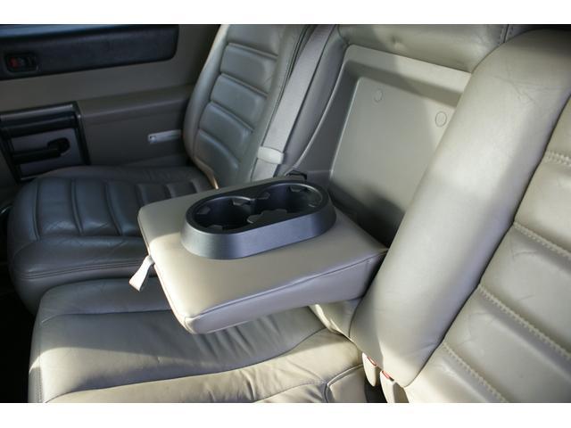 タイプS リフトアップ FUELOFF-ROAD20インチアルミホイール マッドタイヤ CODE9製4本出しマフラー サイドステップ ヒッチメンバー グリルガード オーバーフェンダー ETC バックカメラ(46枚目)