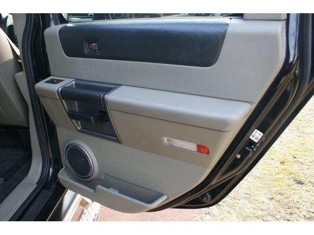 タイプS リフトアップ FUELOFF-ROAD20インチアルミホイール マッドタイヤ CODE9製4本出しマフラー サイドステップ ヒッチメンバー グリルガード オーバーフェンダー ETC バックカメラ(48枚目)