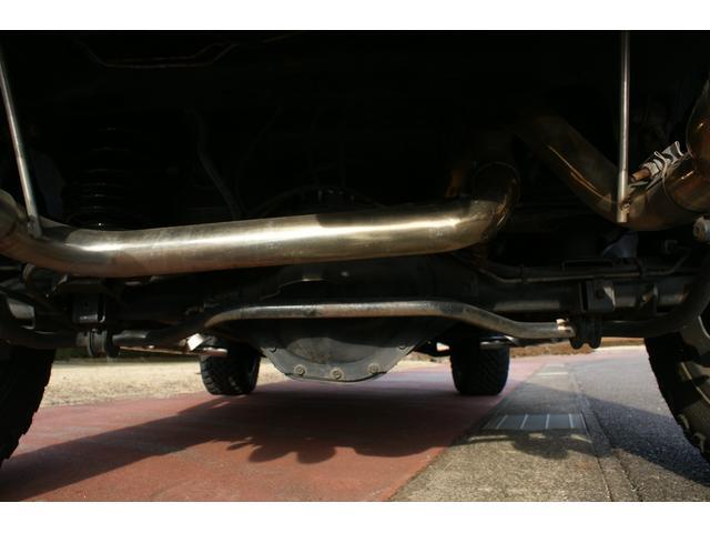 タイプS リフトアップ FUELOFF-ROAD20インチアルミホイール マッドタイヤ CODE9製4本出しマフラー サイドステップ ヒッチメンバー グリルガード オーバーフェンダー ETC バックカメラ(67枚目)
