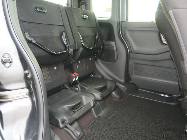 ◆2列目のシートを揚げて大容量のラケッジスペースが確保できます。