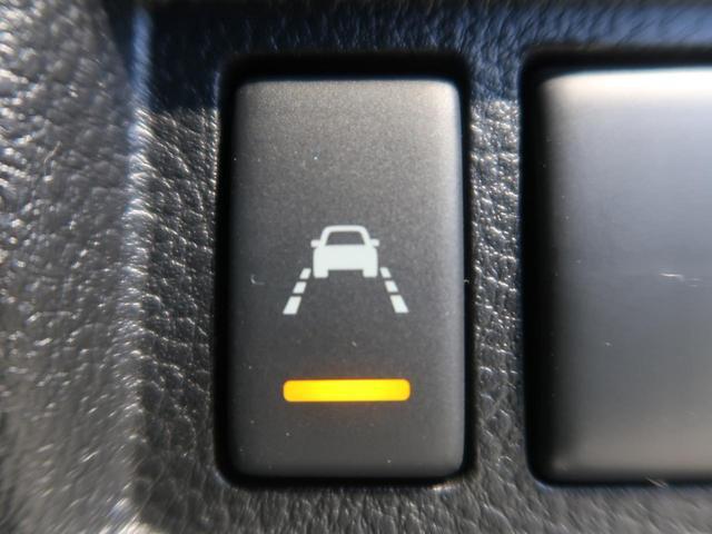 【車線逸脱警報】付☆例えば。。。長距離運転で疲れてウトウト。ふらふら運転で車線を割って走ってしまった。そんなときに役に立つのがこの装備!車線をまたぐと音でお知らせしてくれます!!