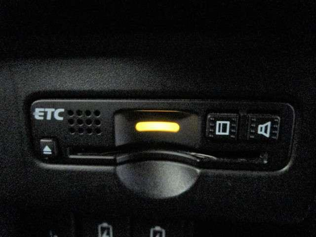 G・Lパッケージ 純正フルセグSDナビ ワンオーナー Bカメラ HIDオートライト ハーフレザーシート クルーズコントロール ETC スマートキー アイドリングストップ DVD再生 ブルートゥース 純正14インチアルミ(8枚目)