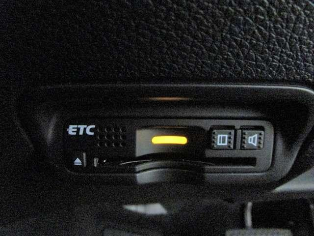HV X・ホンダセンシングブリリアントスタイルED 純正8インチフルセグSDナビ ワンオーナー Bカメラ アダプティブクルーズ LEDオートライト スマートキー ブルートゥース DVD再生 ETC 特別仕様車 純正17インチアルミ(8枚目)