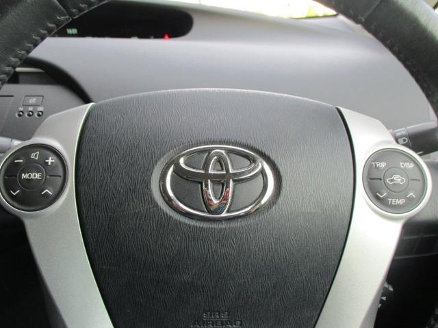 「トヨタ」「プリウス」「セダン」「三重県」の中古車27