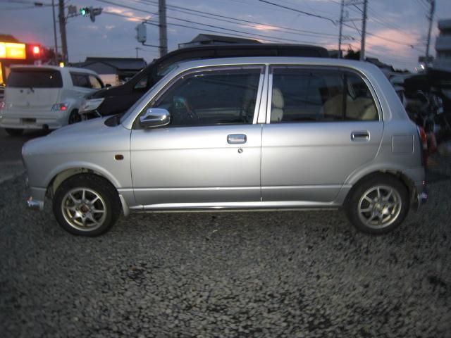 ジーノ 4WD(4枚目)