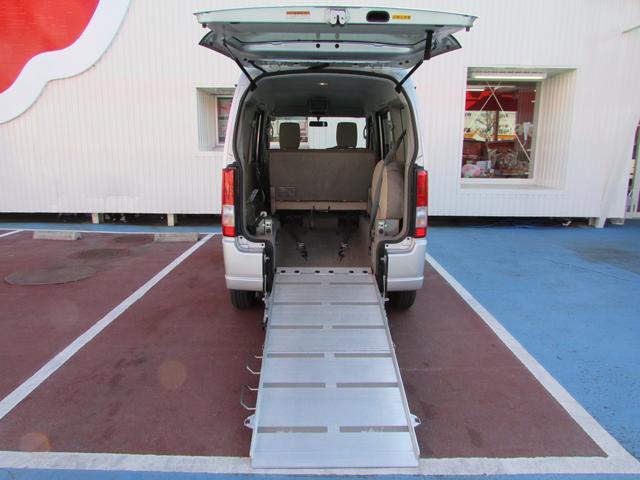 車いす移動車 スローパー 電動ウインチ リアシート付4人乗り(12枚目)