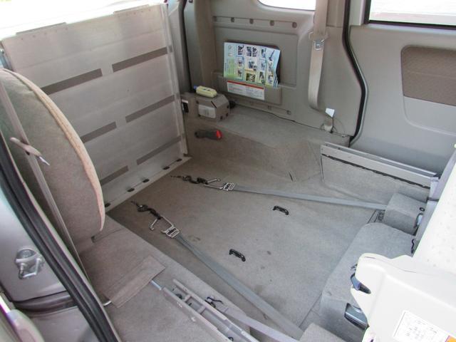 車いす移動車 スローパー 電動ウインチ リアシート付4人乗り(15枚目)