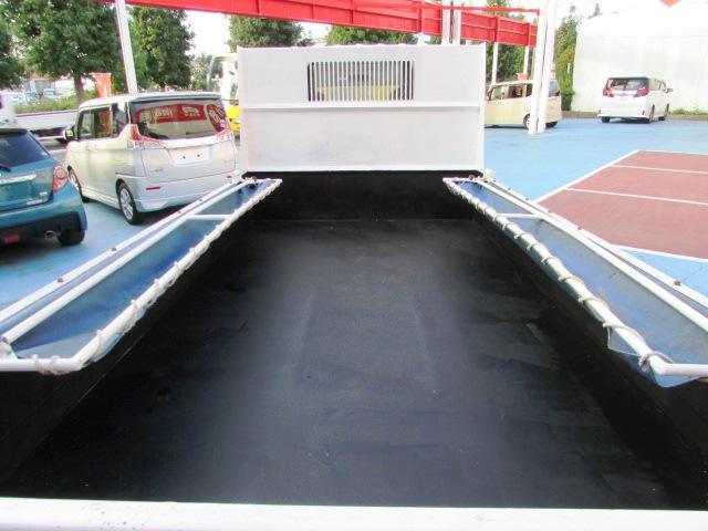 荷台はコンクリートを剥離した後にクロで塗装されています。 ご不明な点等ございましたらお気軽にお問い合わせくださいね。通話料無料!0066-9705-6902