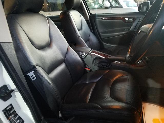 運転席シートも、使用感は、あるものの、目立つ擦れやダメージもございません!