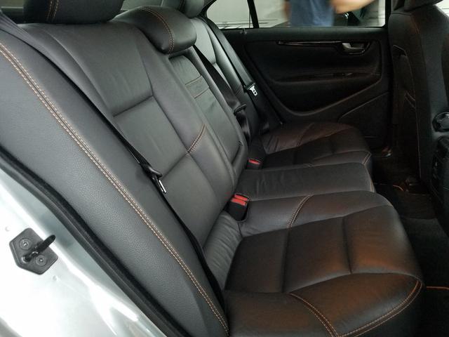後席シートもご覧の通り、より使用感を感じさせません!あまり、使用されていなかった様です!