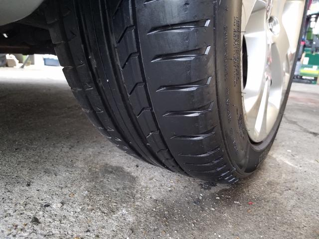 タイヤもピレリ製 製造年式や残り溝など、安全に十分に、使用頂ける状態です!