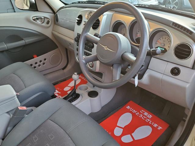 安心の禁煙車です!ファブリックシートは、素材上どうしても汚れが目立ってしまう為。全脚クリーニング済みで衛生面でも安心です!