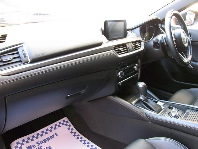 25S Lパッケージ ワンオーナー 黒革 禁煙車 マツダコネクトナビ フルセグ Bカメラ ETC DVD Bluetooth Gベクタリング アドバンストSCBS レーダークルーズ パーキングセンサー 全席シートヒーター(4枚目)