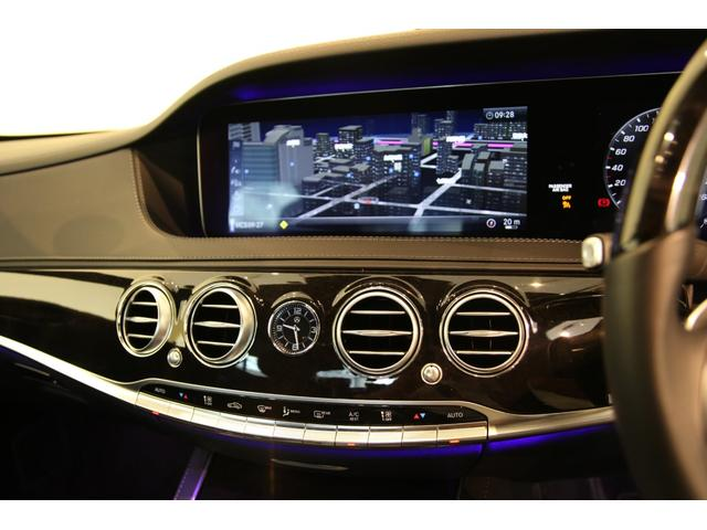 センターディスプレイは視認性も良好です。車輌設定など細かい設定が可能です。