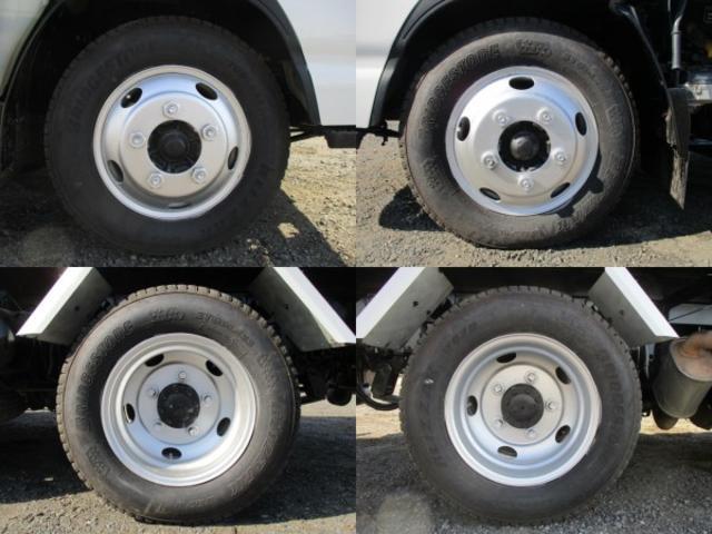 いすゞ エルフトラック ローダーダンプ 3t ラジコン付 6MT 中間ピンコボレーン