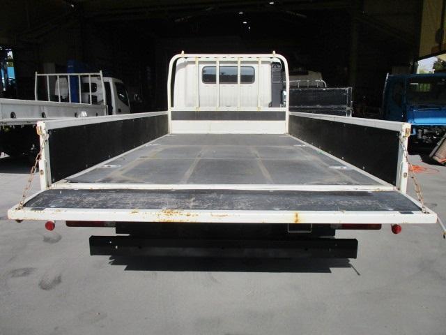 平ボディ 積載2トン ワイドロング 総重量5t未満 MT6速(10枚目)