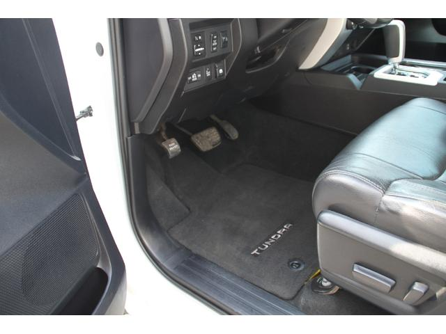 米国トヨタ タンドラ クルーマックス リミテッド 4WD リフトアップ 実走行
