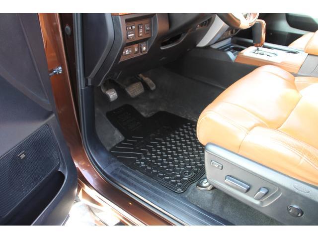 クルーマックス 1794 4WD リアモニター トノーカバー(17枚目)