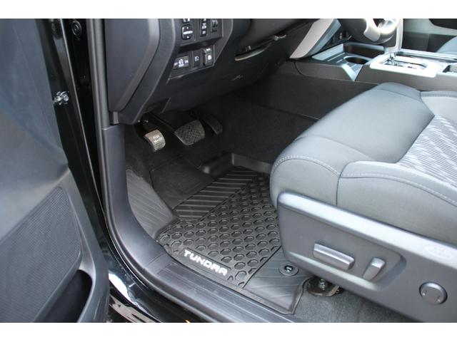 クルーマックス 4WD TRDオフロード サンルーフ TSS(17枚目)